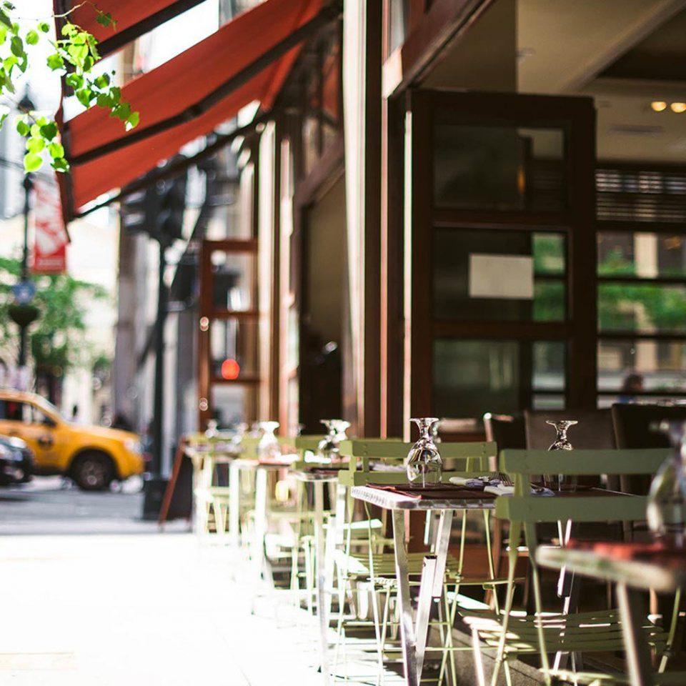 restaurant street Bar