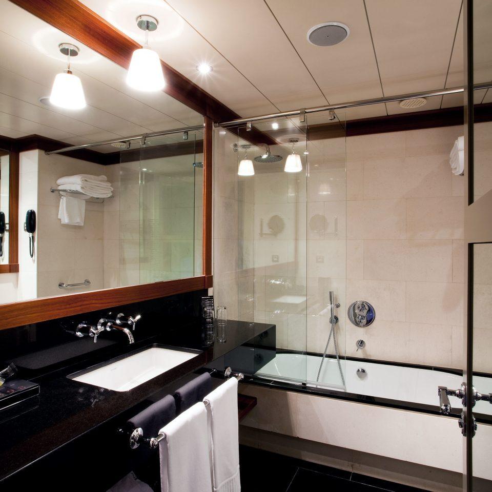 Barcelona Bath Bedroom Boutique City Hotels Spain property Kitchen home vehicle lighting sink kitchen appliance