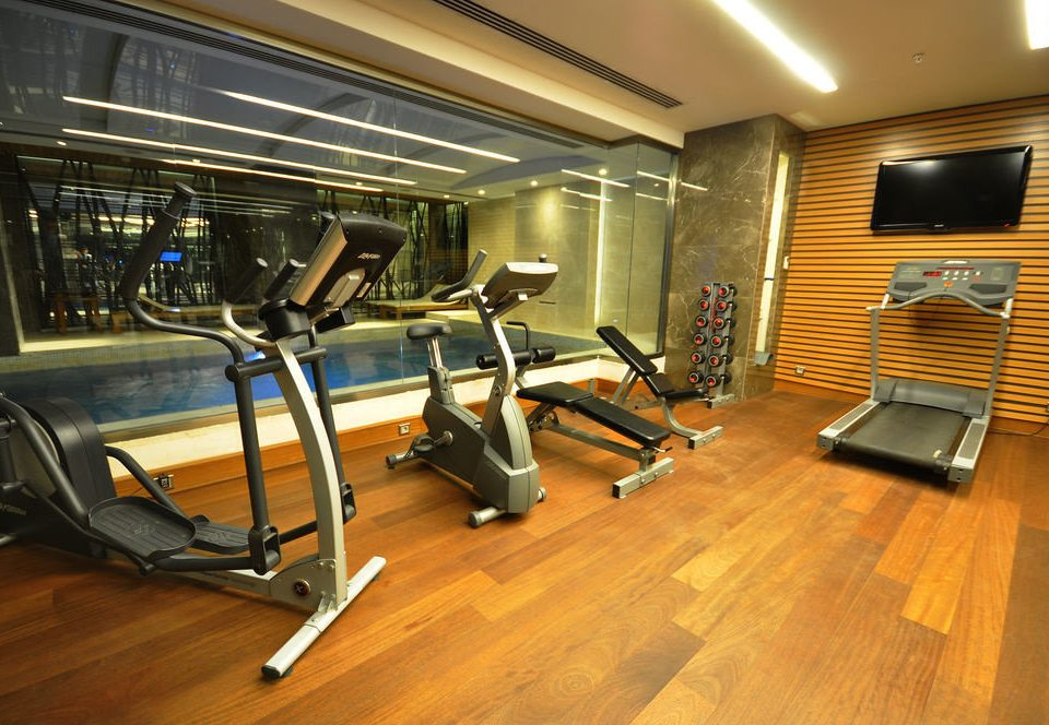 structure recreation room sport venue gym condominium public transport basement hard