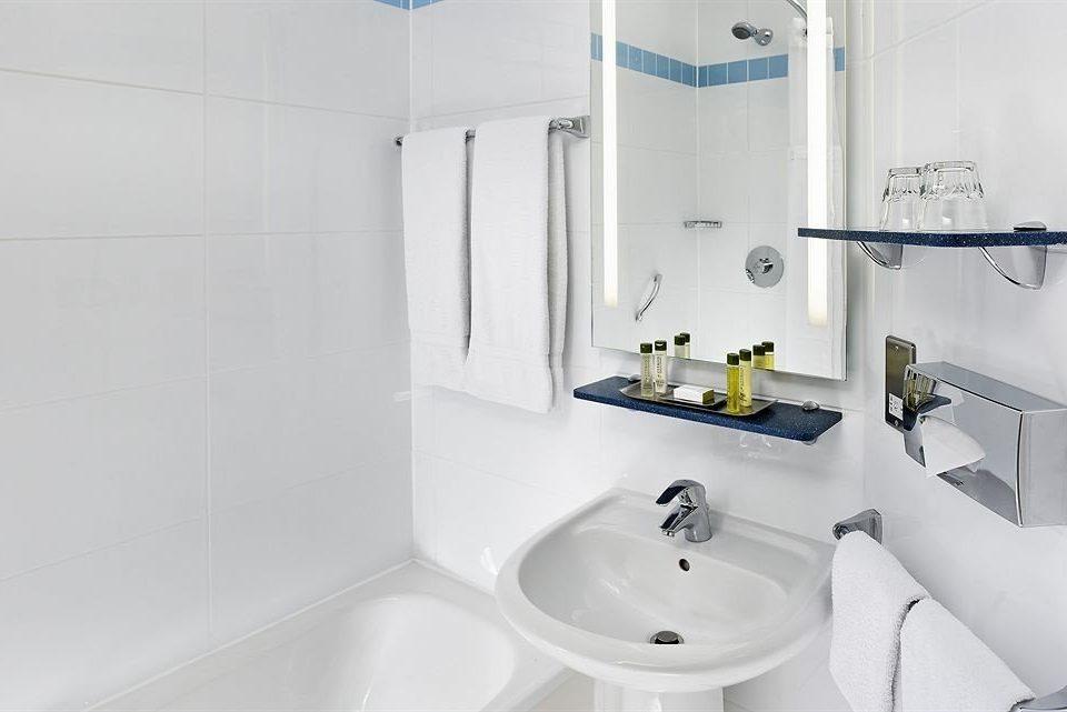 bathroom sink property bidet toilet plumbing fixture vessel white bathtub water basin Bath