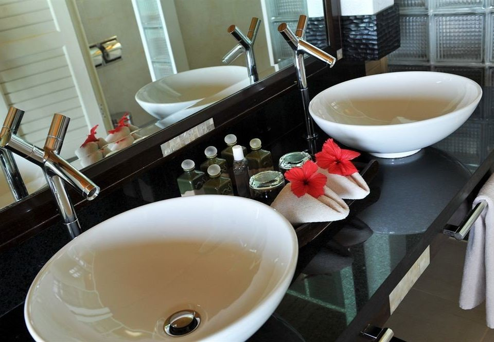 bathroom sink plumbing fixture counter ceramic bidet breakfast toilet restaurant tub bathtub Bath