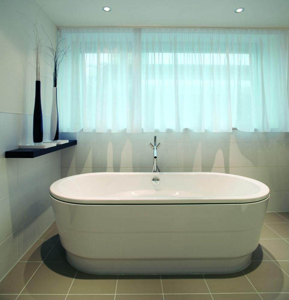 bathroom bathtub swimming pool tub vessel plumbing fixture bidet toilet sink jacuzzi water basin Bath tile tiled