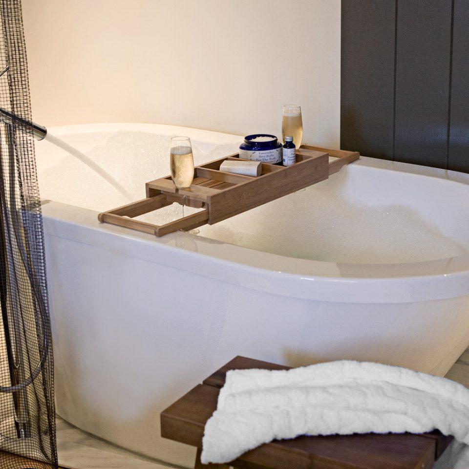 Bath bathroom bathtub swimming pool plumbing fixture jacuzzi sink bidet tub tile