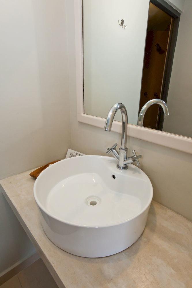 bathroom sink mirror vessel plumbing fixture bidet bathtub counter toilet water basin Bath