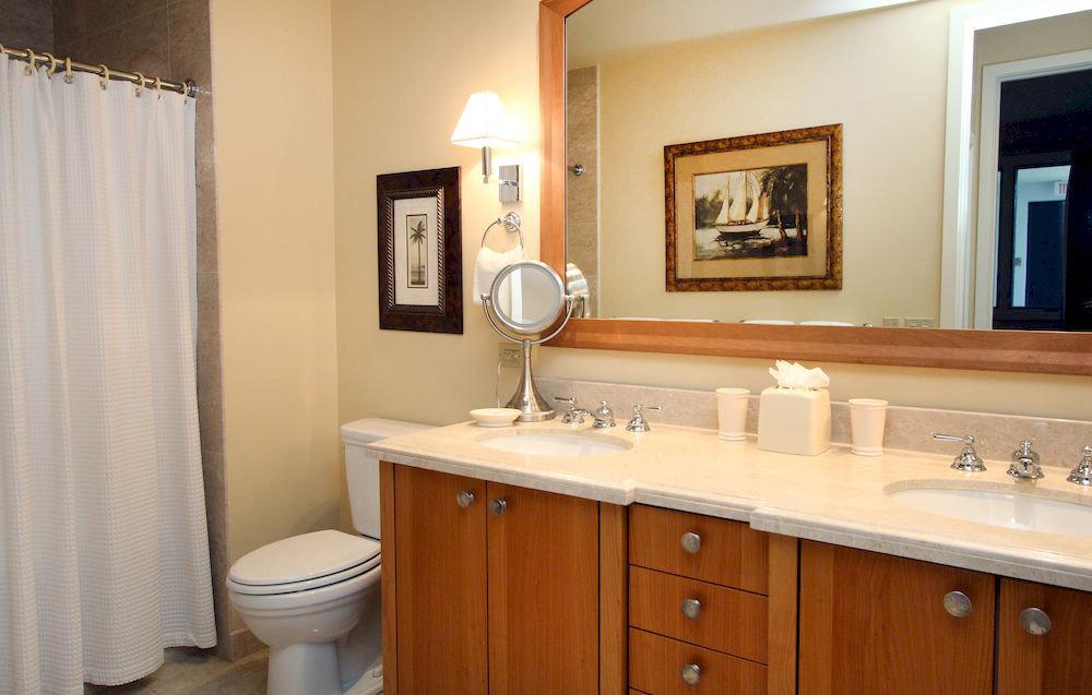 bathroom cabinet sink toilet property curtain home shower cottage tub Bath bathtub tan