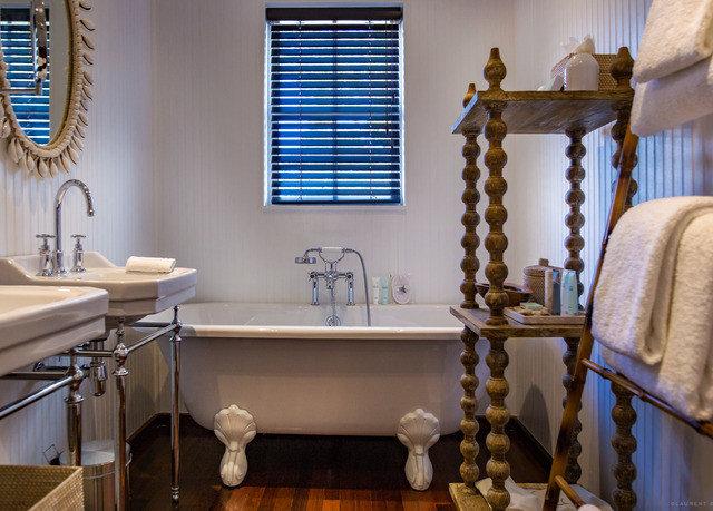property home bathroom cottage living room tub Bath bathtub
