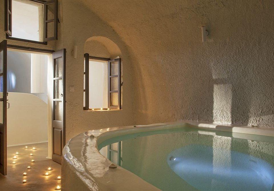 bathroom swimming pool property house sink home tub bathtub Bath