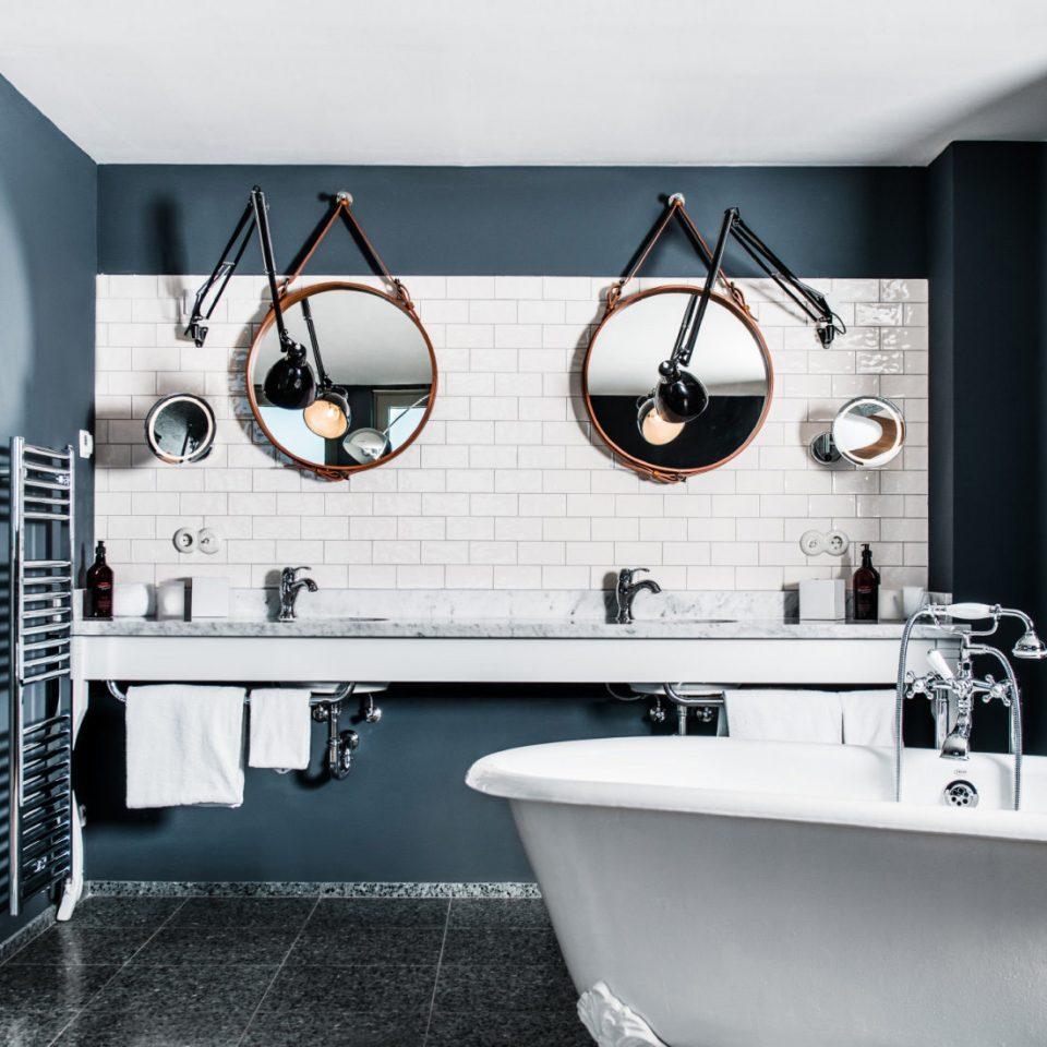 bathroom home plumbing fixture tub tiled Bath bathtub