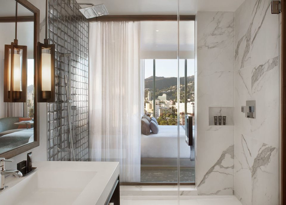 bathroom property house home sink tub tile tiled Bath bathtub