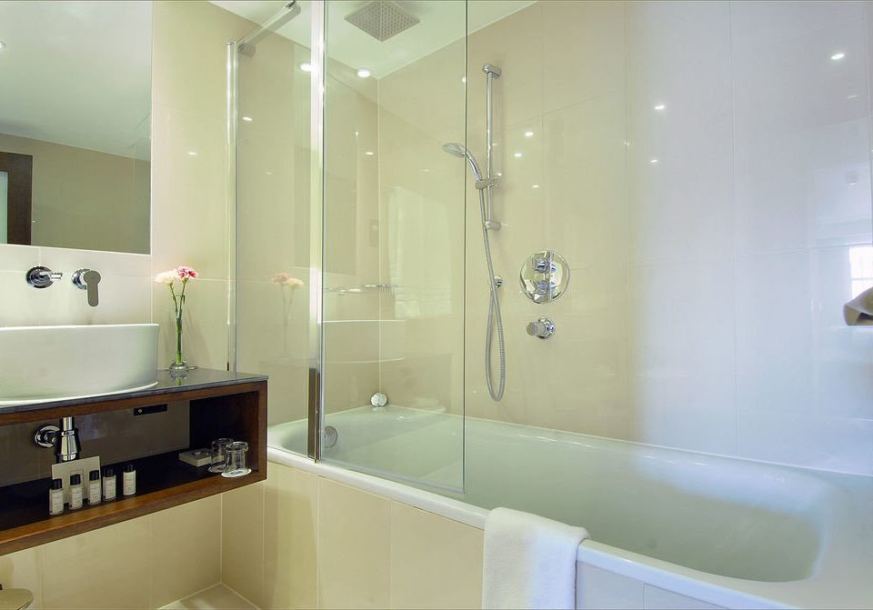 bathroom mirror property sink vessel home toilet tub Bath bathtub