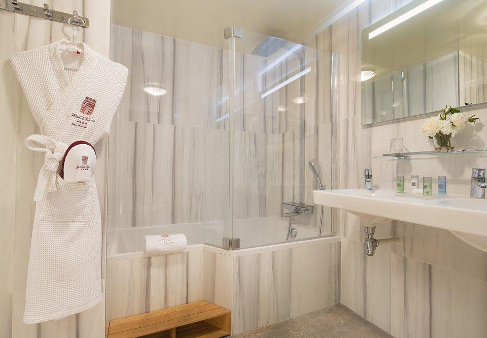 bathroom sink scene towel rack tub Bath bathtub