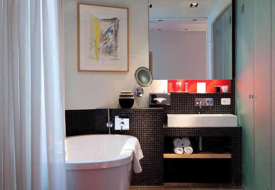 bathroom toilet property curtain house home cottage tiled tub Bath