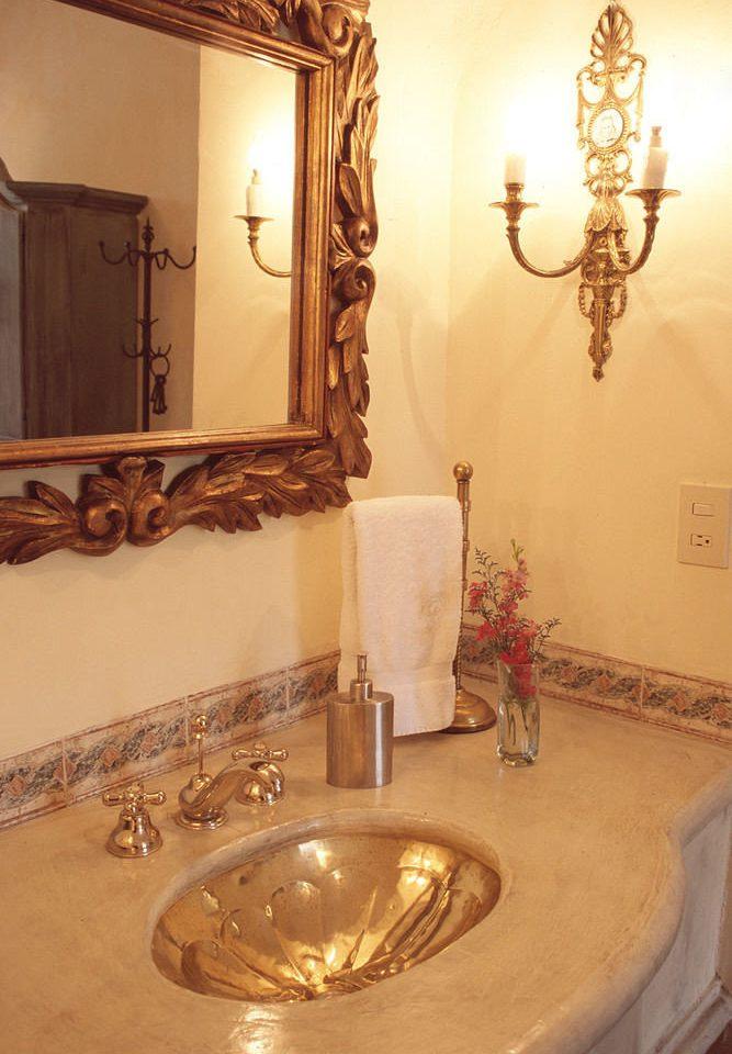 bathroom property mirror lighting flooring Bath