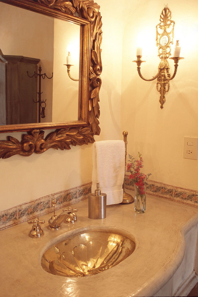 bathroom property mirror lighting flooring Bath