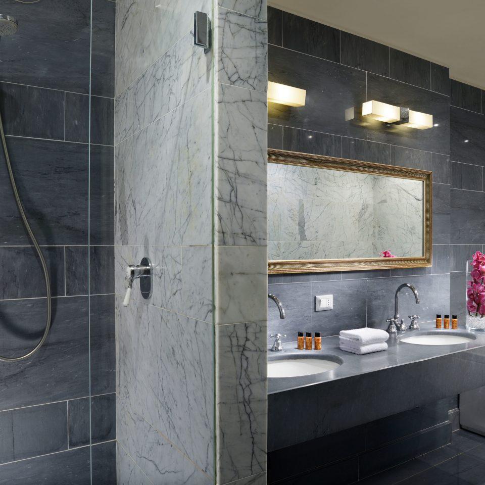 Bath bathroom property house scene sink home plumbing fixture tub tiled
