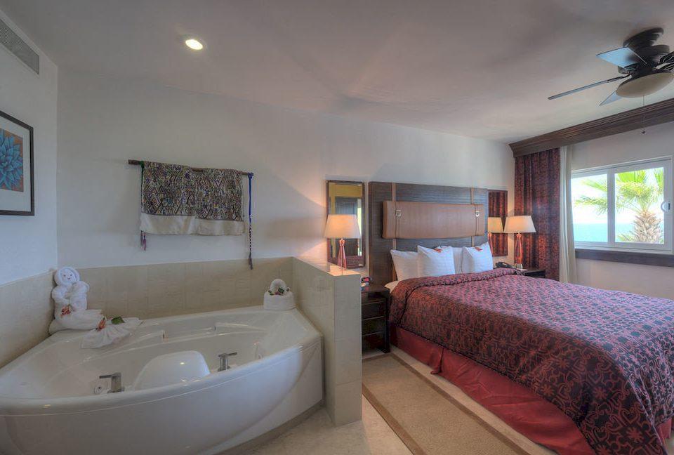 Bath Beachfront Bedroom Resort property cottage Suite home Villa