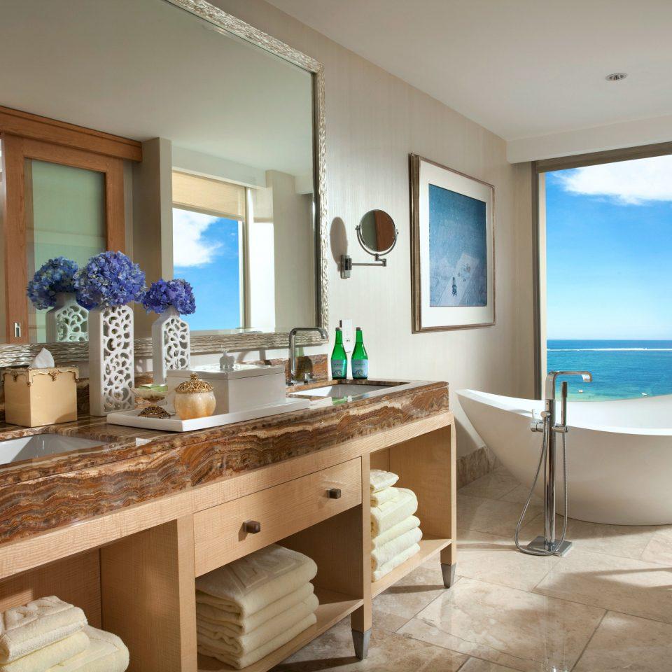 Bath Beachfront Elegant Luxury property home condominium Suite counter bathroom cottage Villa living room Island Modern