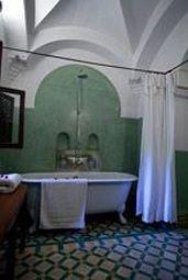 bathroom Bedroom tub Bath tiled