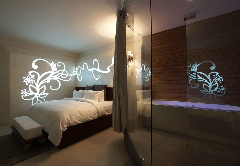 Bath Bedroom Boutique Hot tub/Jacuzzi Modern property lighting