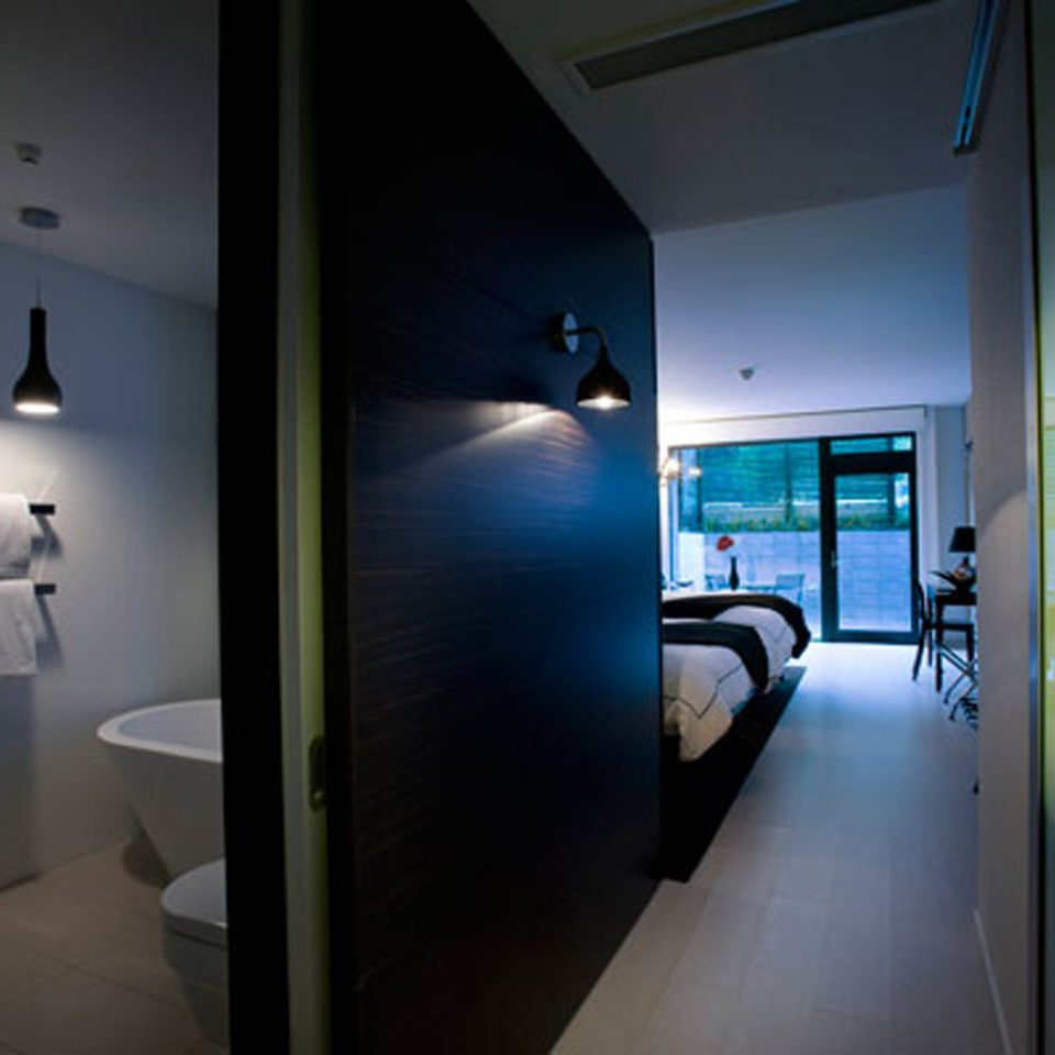 Bath Bedroom Boutique property house home lighting bathroom condominium Suite