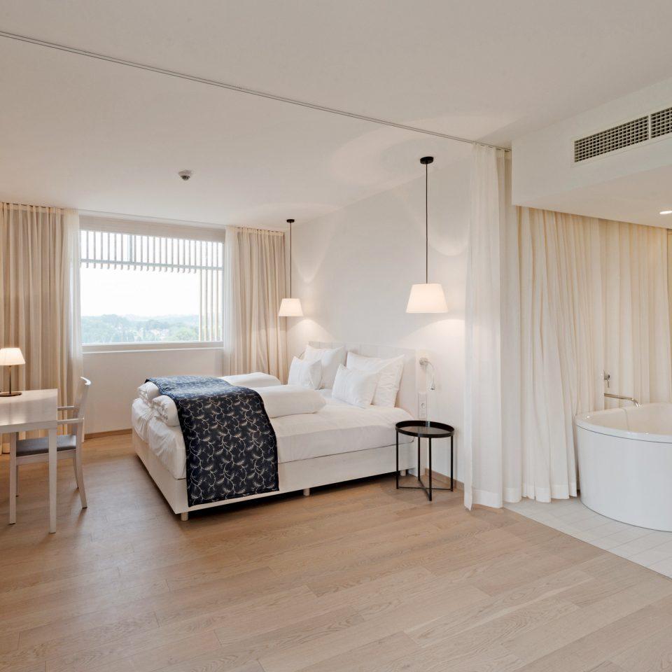Bath Bedroom City Elegant Resort Scenic views Suite Vineyard property hardwood cottage hard