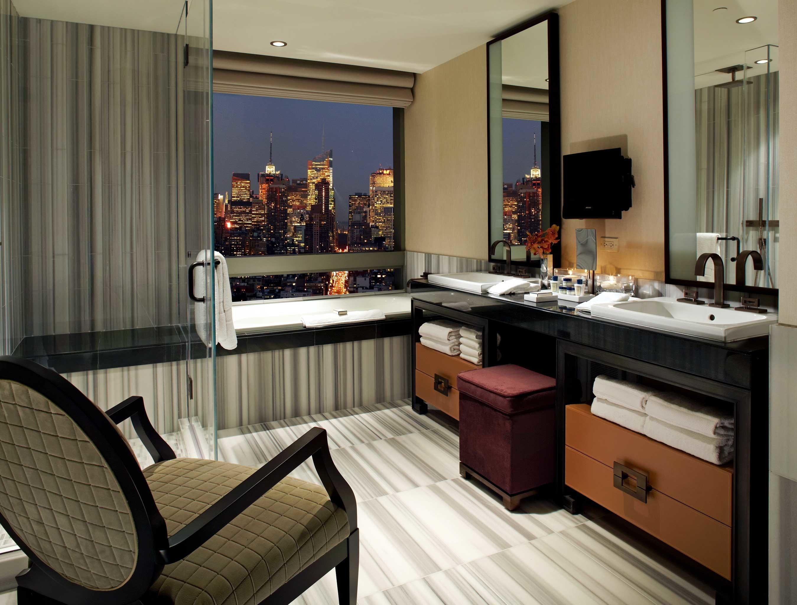 Bath Bedroom City Elegant Luxury Spa Wellness property home Kitchen cabinetry living room Suite cottage condominium