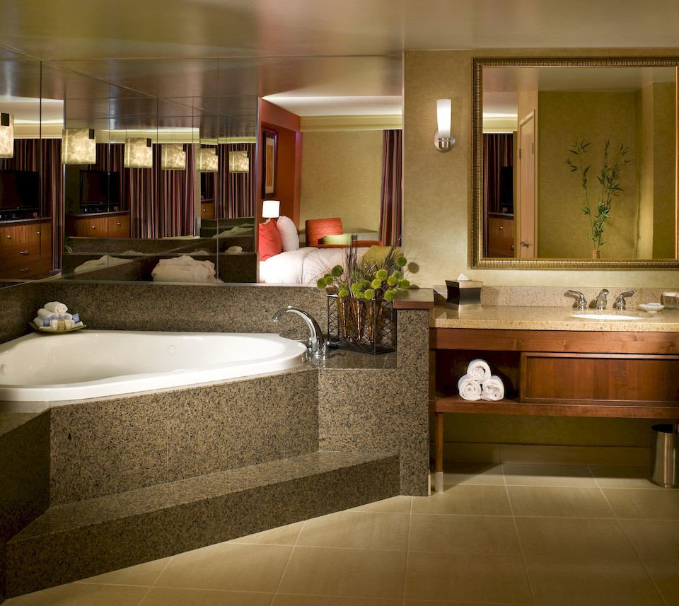 Bath Bedroom Classic Resort property Suite home countertop cabinetry condominium Kitchen