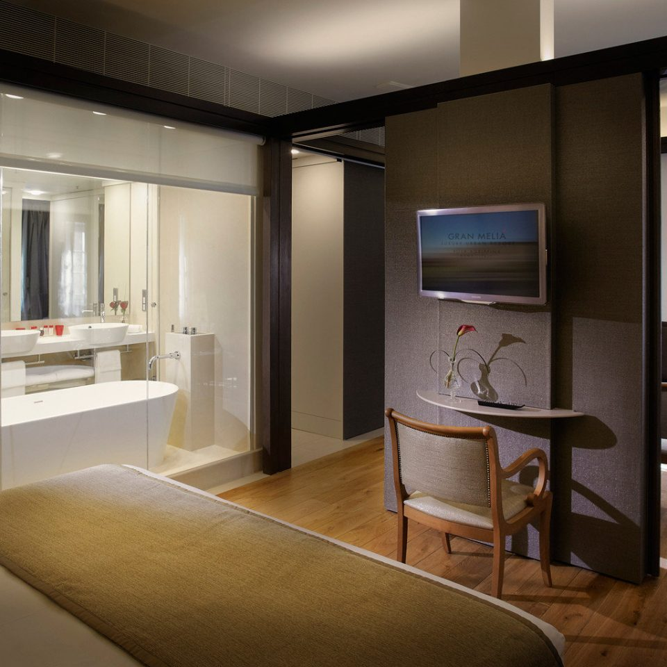 Bath Bedroom Elegant Luxury Modern Suite property home house living room condominium Kitchen loft cottage