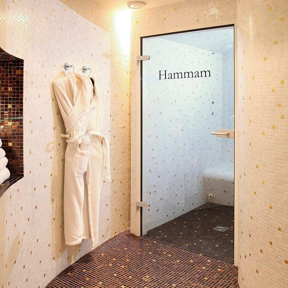 Bath Elegant Luxury Modern bathroom Suite flooring Bedroom tiled
