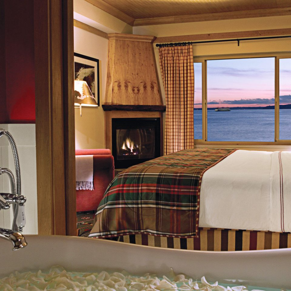 Bath Bedroom Fireplace Modern Scenic views Waterfront property Suite home cottage living room Villa
