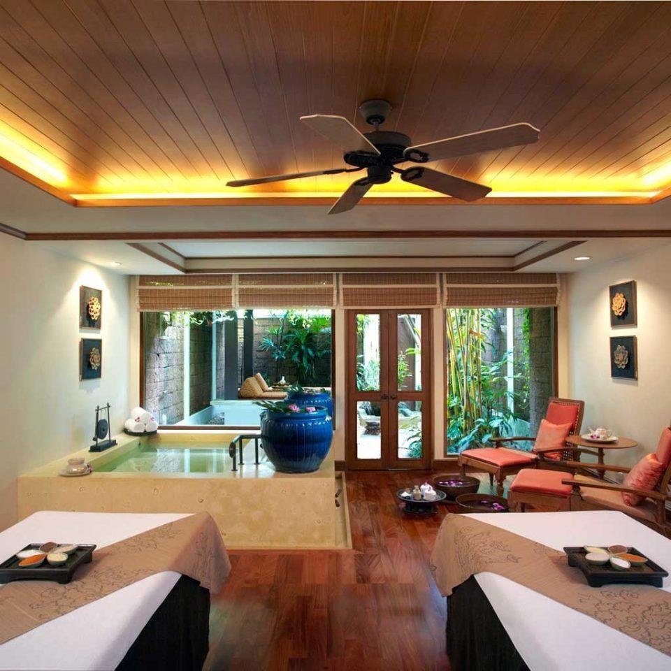 Bath Hip Luxury Spa property living room home Villa cottage mansion Bedroom