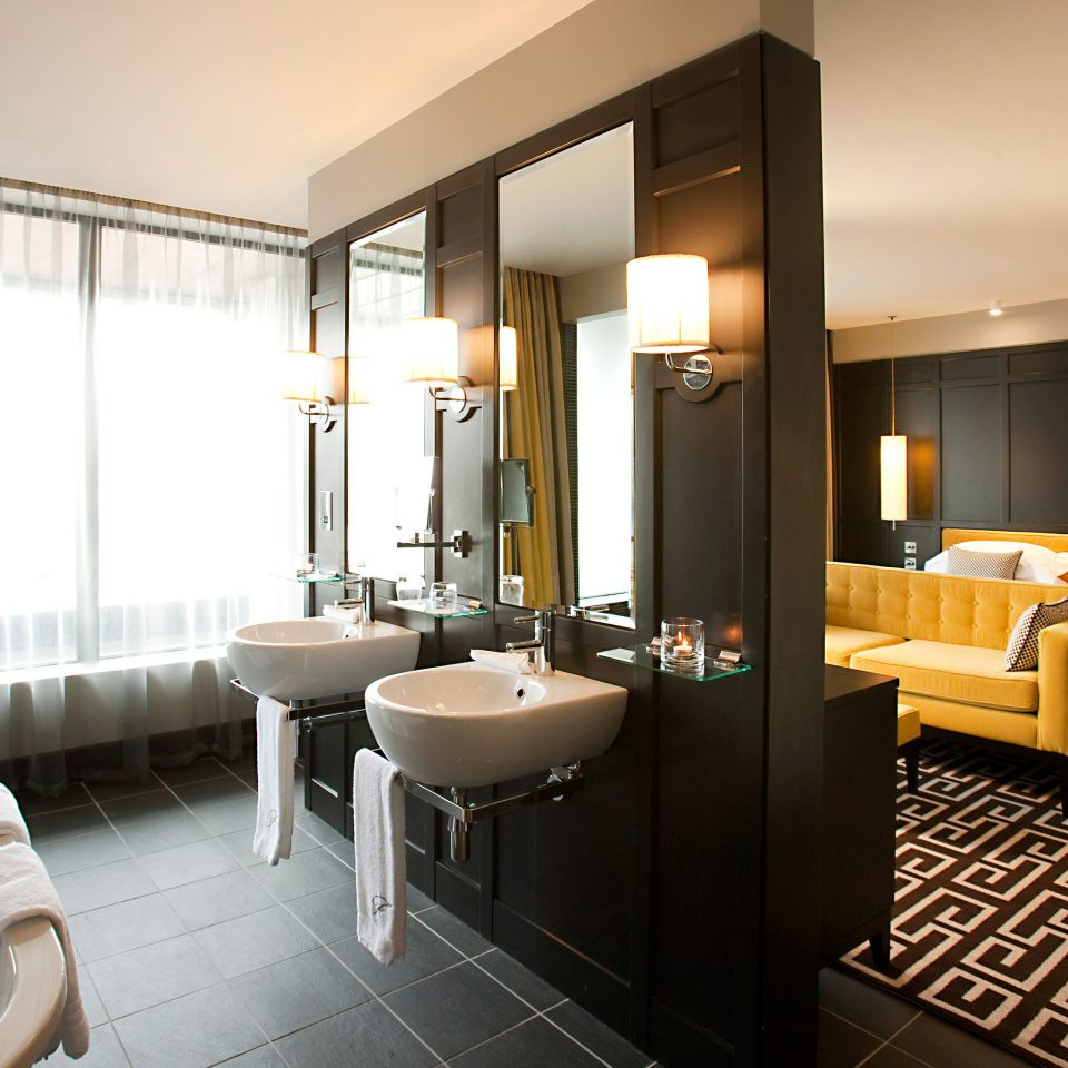 Bedroom Lounge Luxury Modern Suite bathroom property condominium home living room Villa tub bathtub Bath