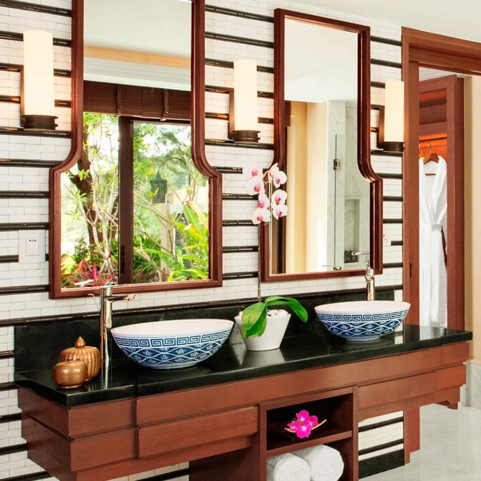 Bath Bedroom Luxury living room cabinetry hardwood home