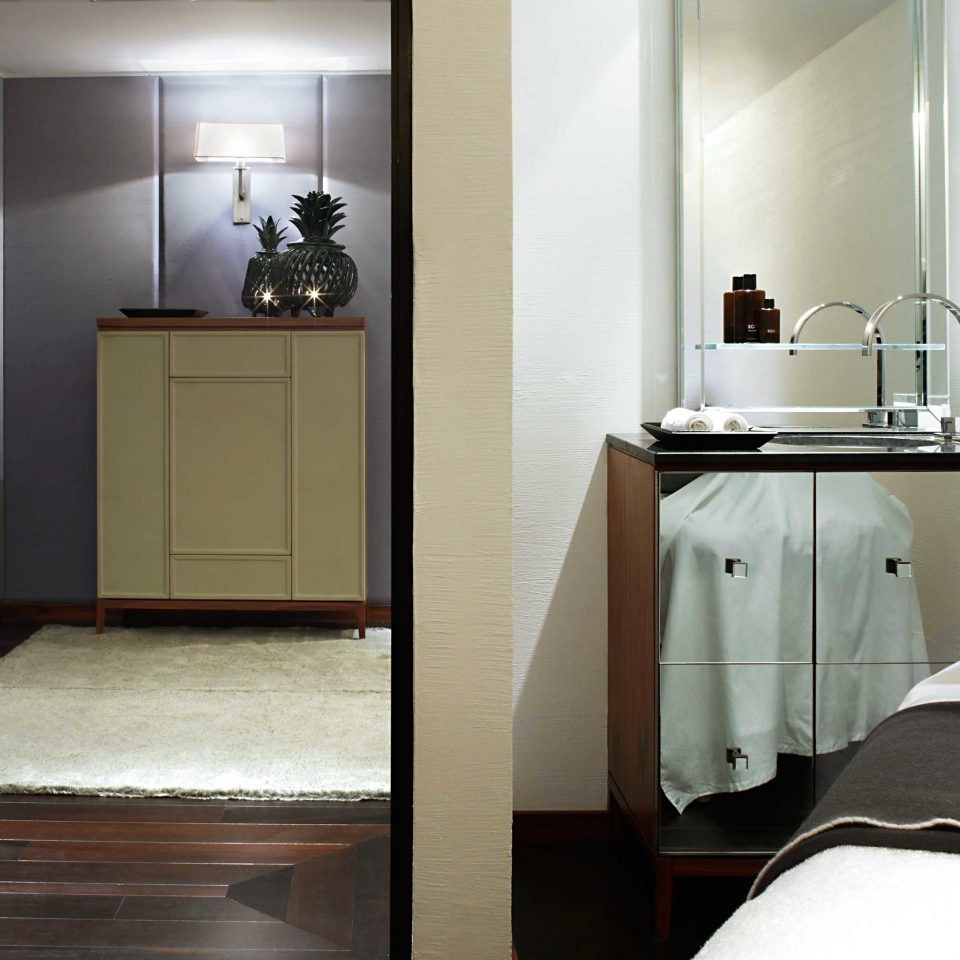 Bath Bedroom Luxury Modern property home bathroom Suite cottage flooring