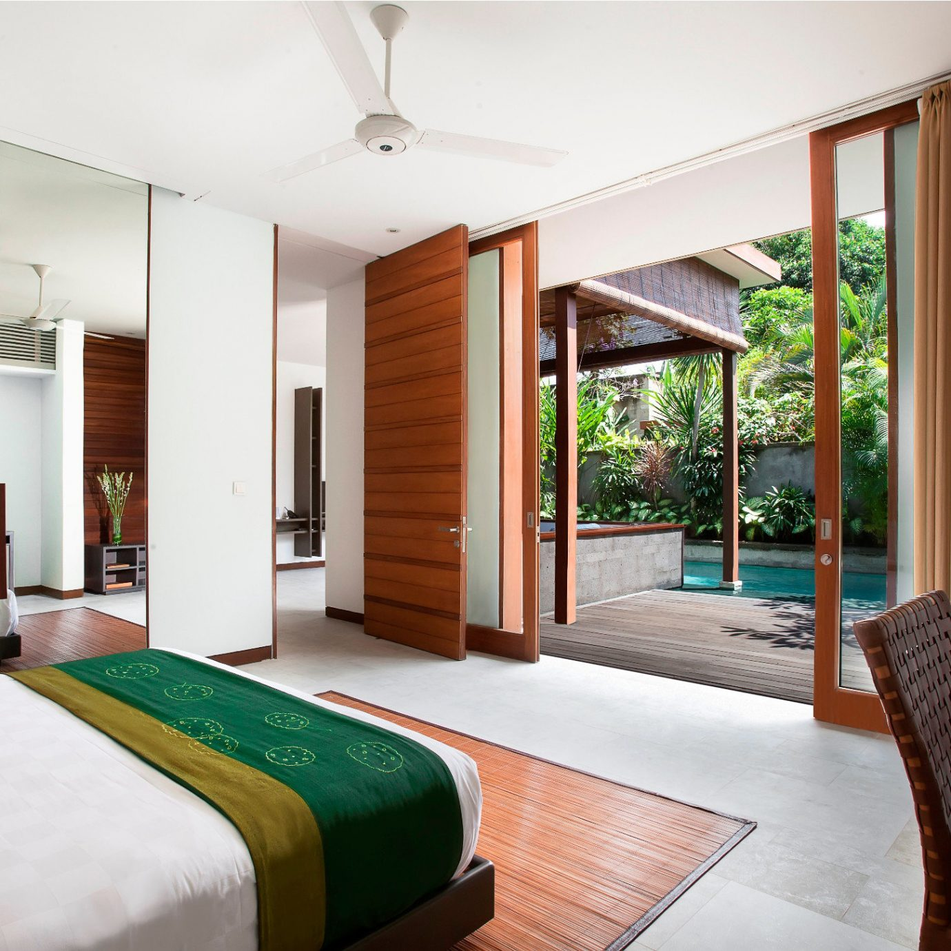 Bath Bedroom Luxury Patio property house condominium home Suite green Villa cottage Resort living room
