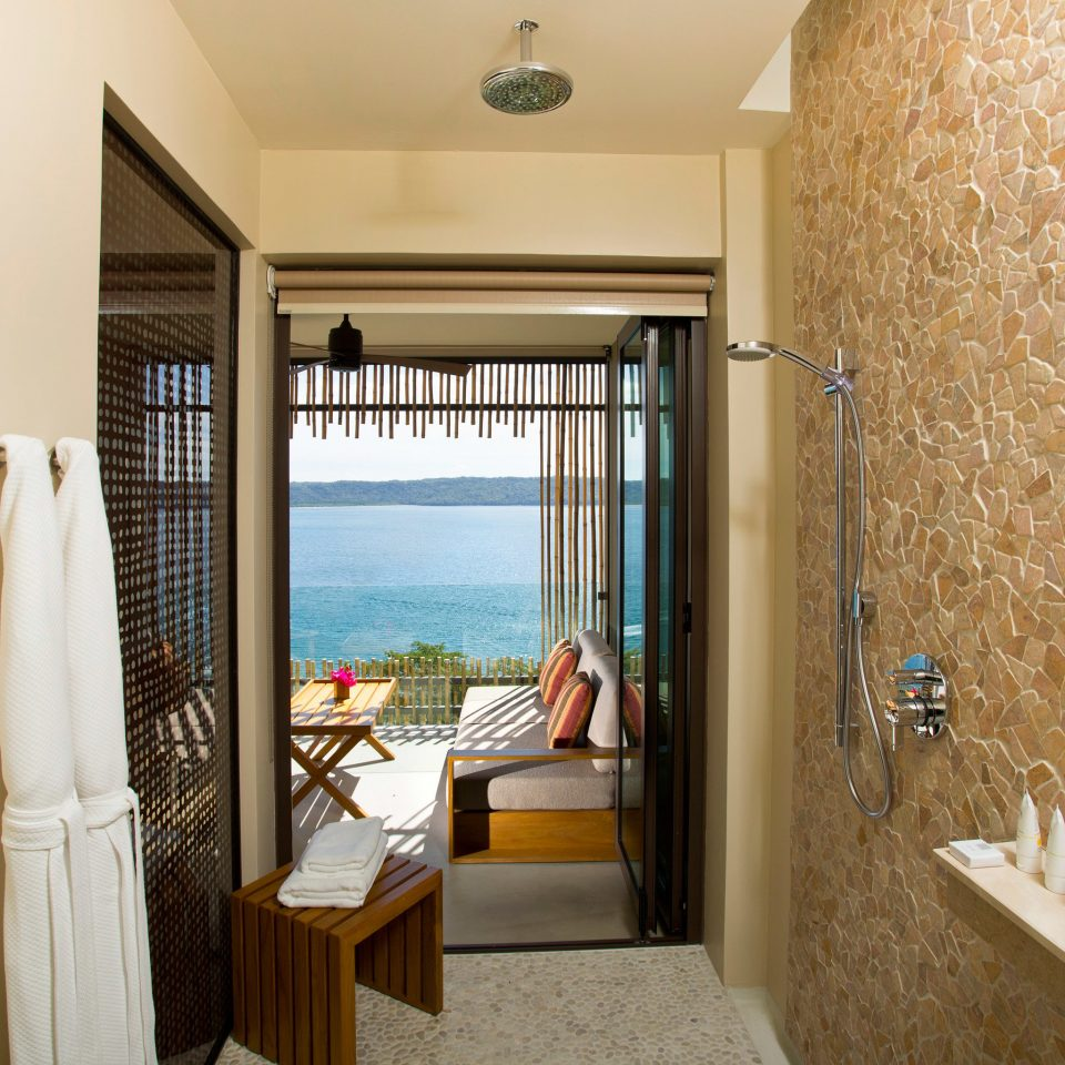 Bath Modern Resort property house home Suite cottage condominium Bedroom tub
