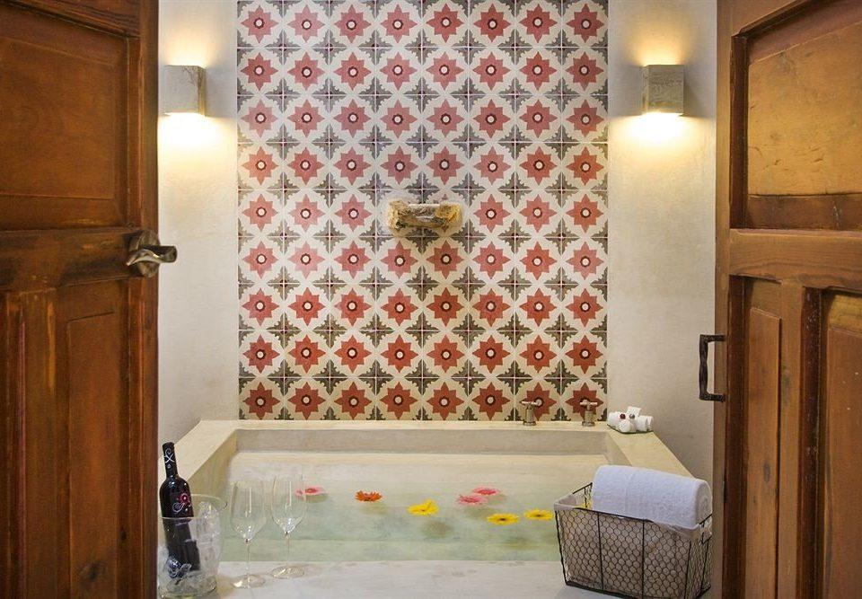 bathroom property Suite home curtain textile cottage flooring Bedroom Bath