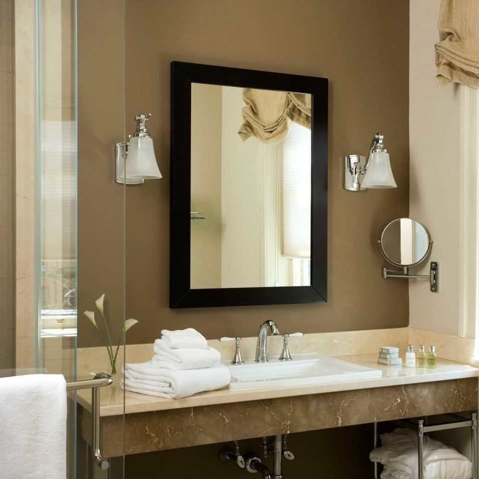 Bath Boutique Boutique Hotels Classic Elegant Historic Hotels Inn Philadelphia bathroom mirror sink towel home plumbing fixture bathroom cabinet Modern
