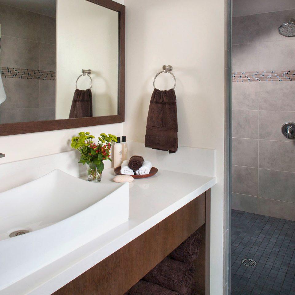 Bath Boutique Budget bathroom mirror property plumbing fixture sink bathtub flooring bidet rack