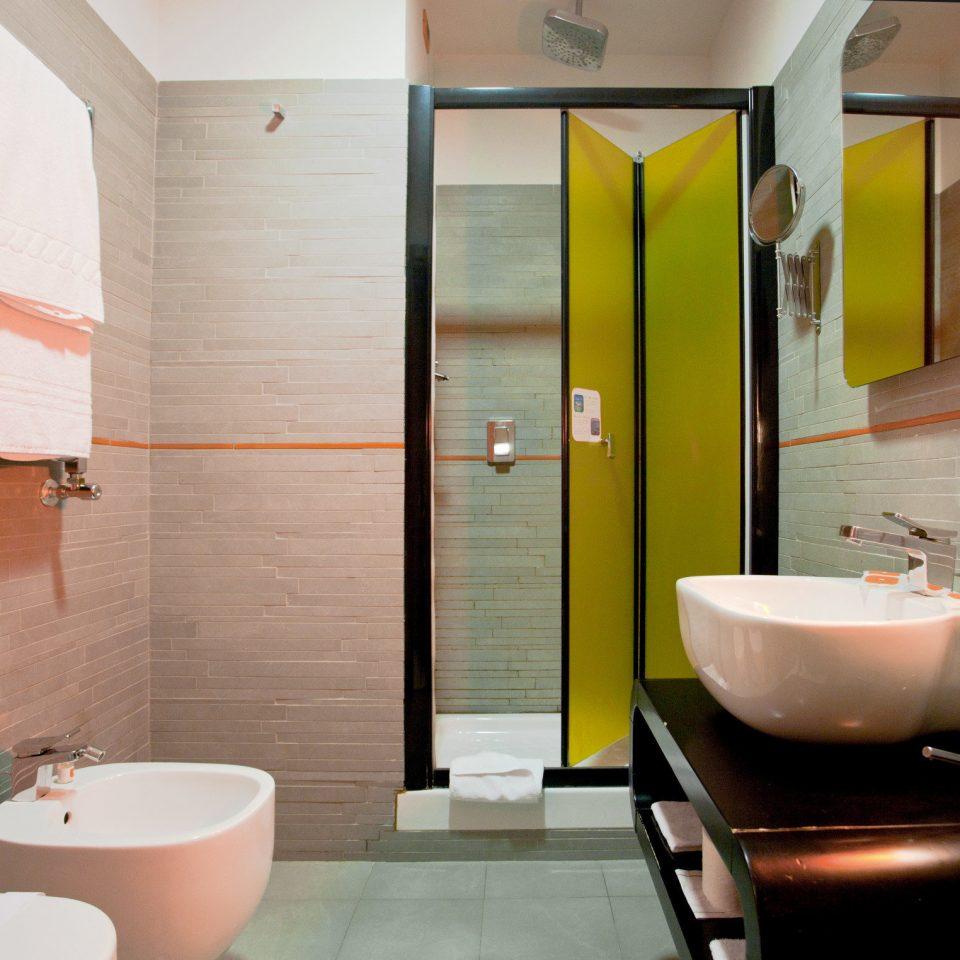 Bath Boutique Budget City bathroom property Suite sink tub home bathtub