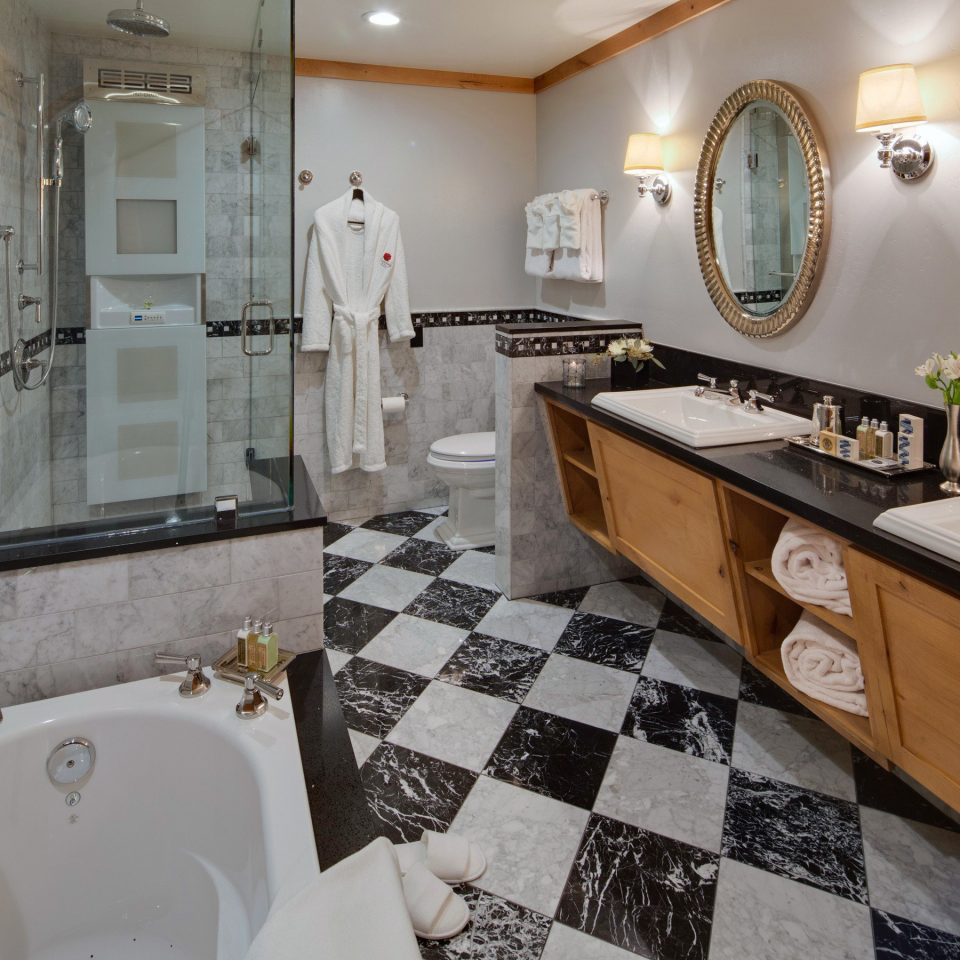 Bath Boutique Classic Lodge bathroom property home cottage Suite flooring toilet tile tiled