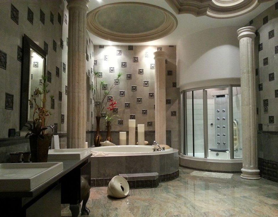 Bath Boutique Hot tub/Jacuzzi Waterfront bathroom property Lobby mansion flooring