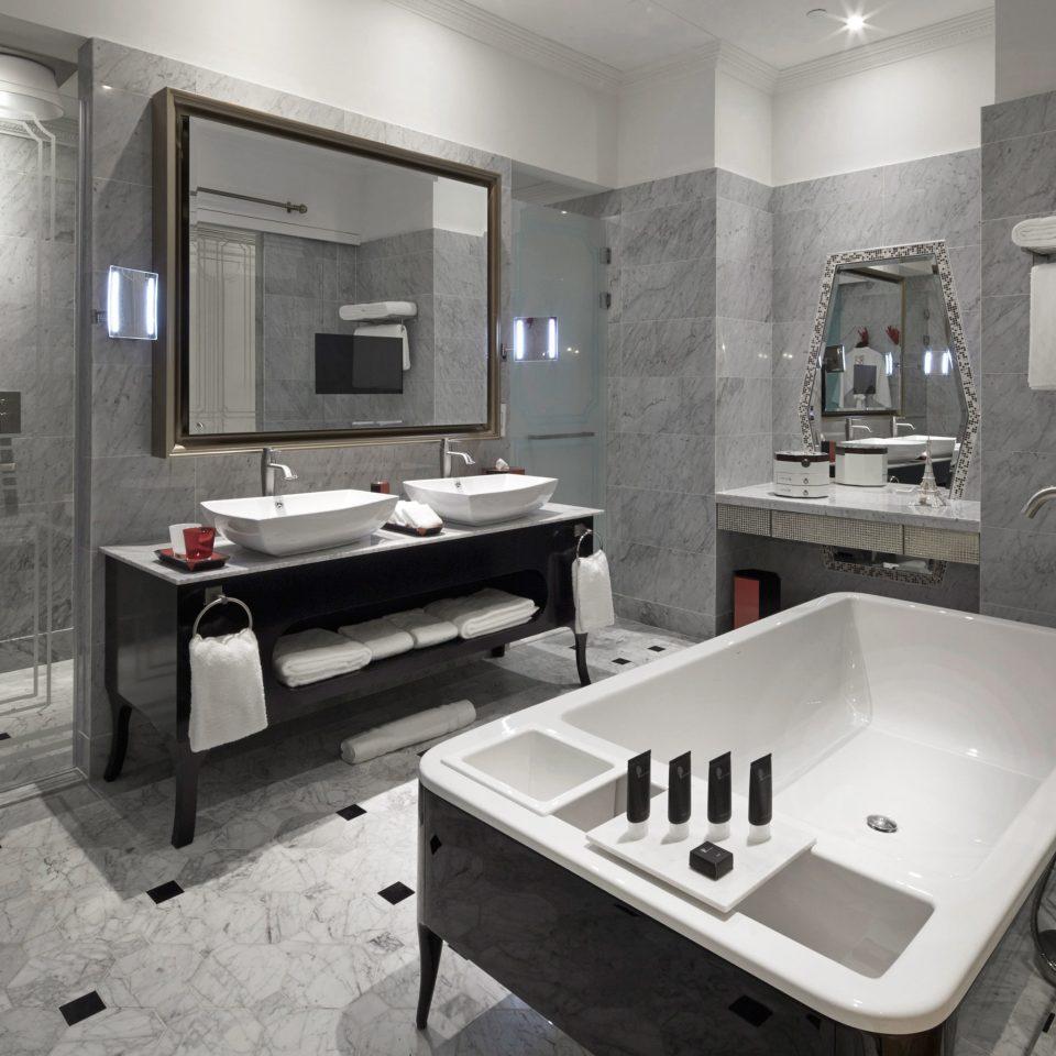 Bath Business City Luxury Modern bathroom property swimming pool bathtub plumbing fixture home public toilet Suite jacuzzi