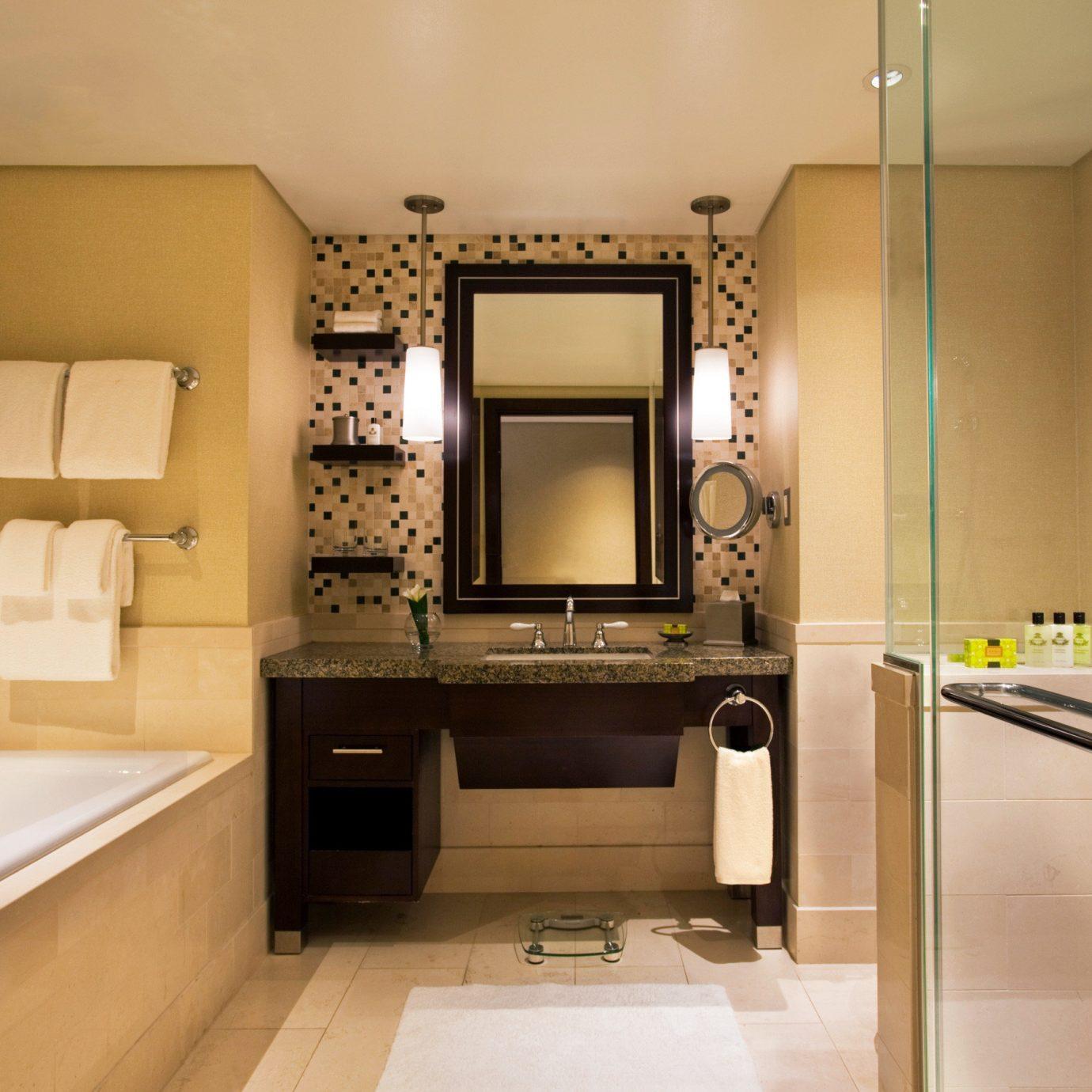 Bath City Classic Resort bathroom property home sink cabinetry Kitchen hardwood living room flooring cottage countertop Modern clean tub