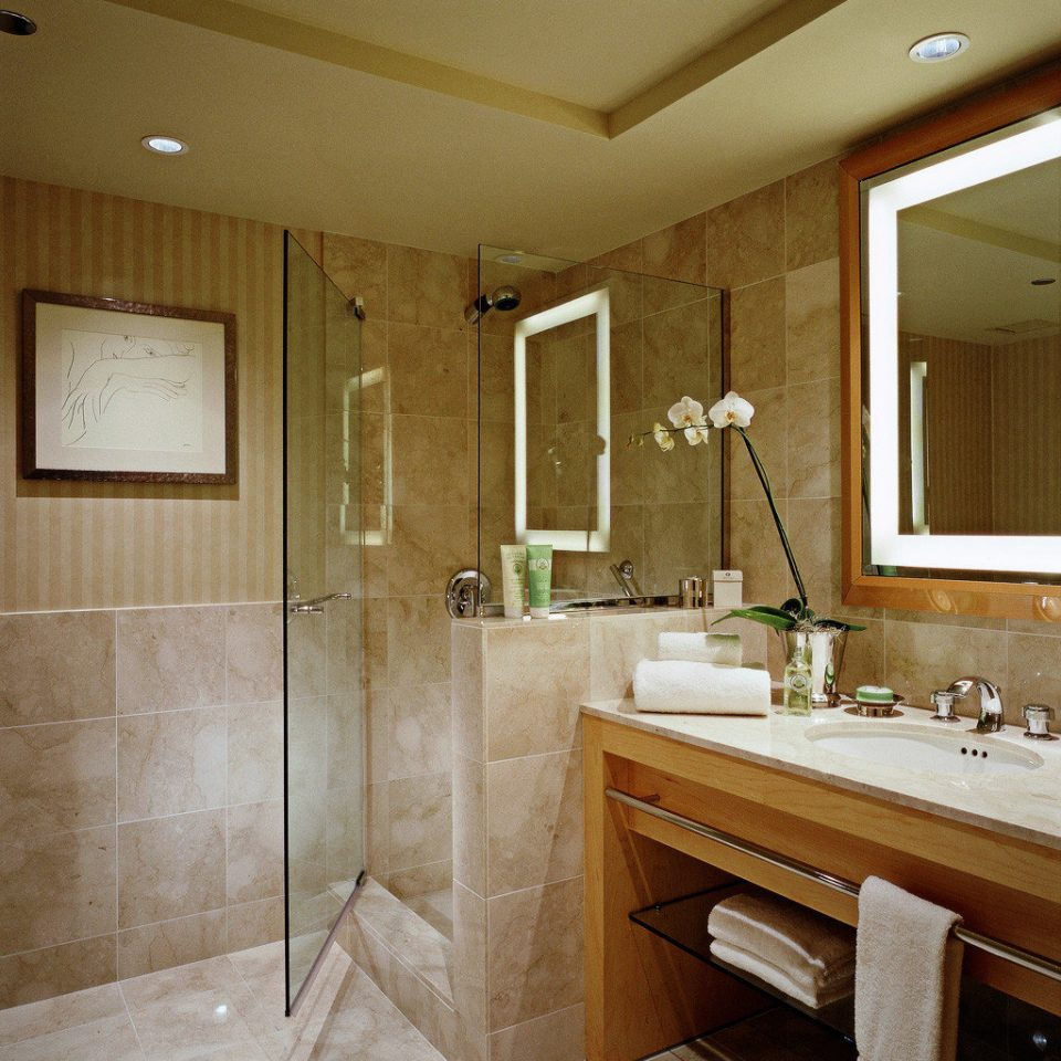 Bath City Classic Resort bathroom property sink home cabinetry Suite flooring countertop bathtub tile