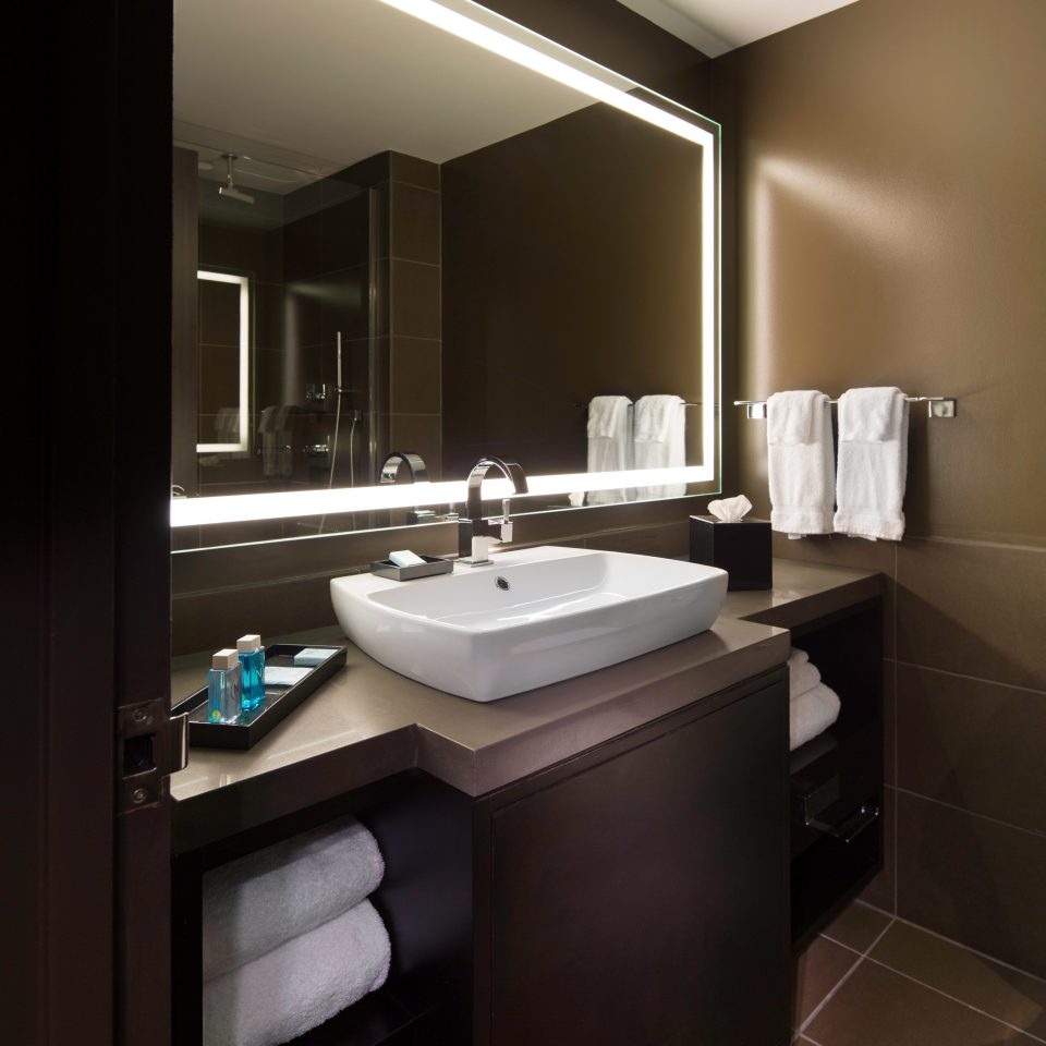 Bath City Classic Resort bathroom sink mirror property home Suite