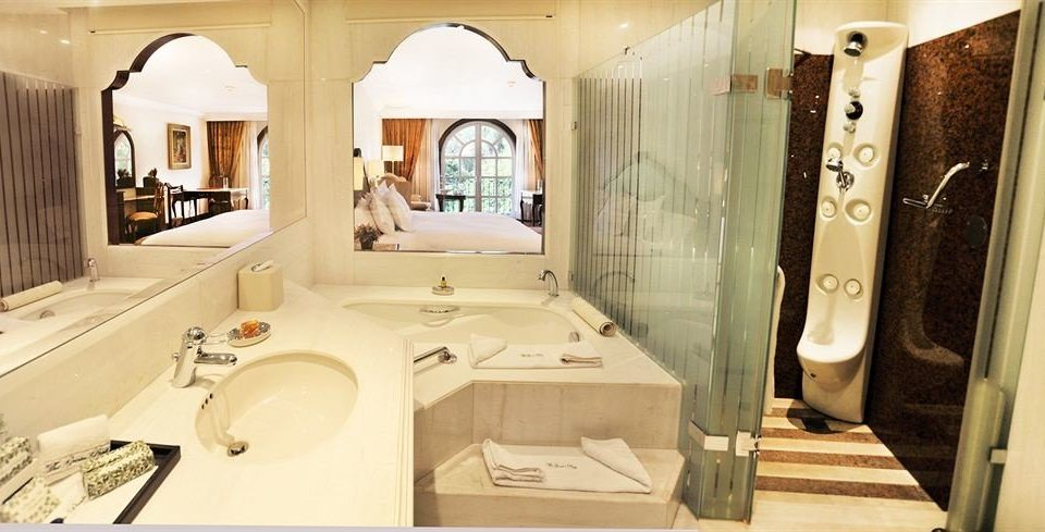 Bath City Classic bathroom property sink home toilet cottage Suite plumbing fixture
