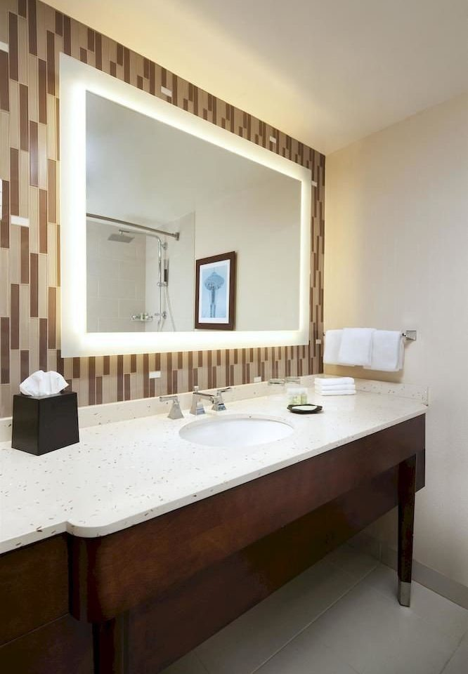 Bath City Classic bathroom mirror sink property hardwood home cottage Villa Suite farmhouse tile