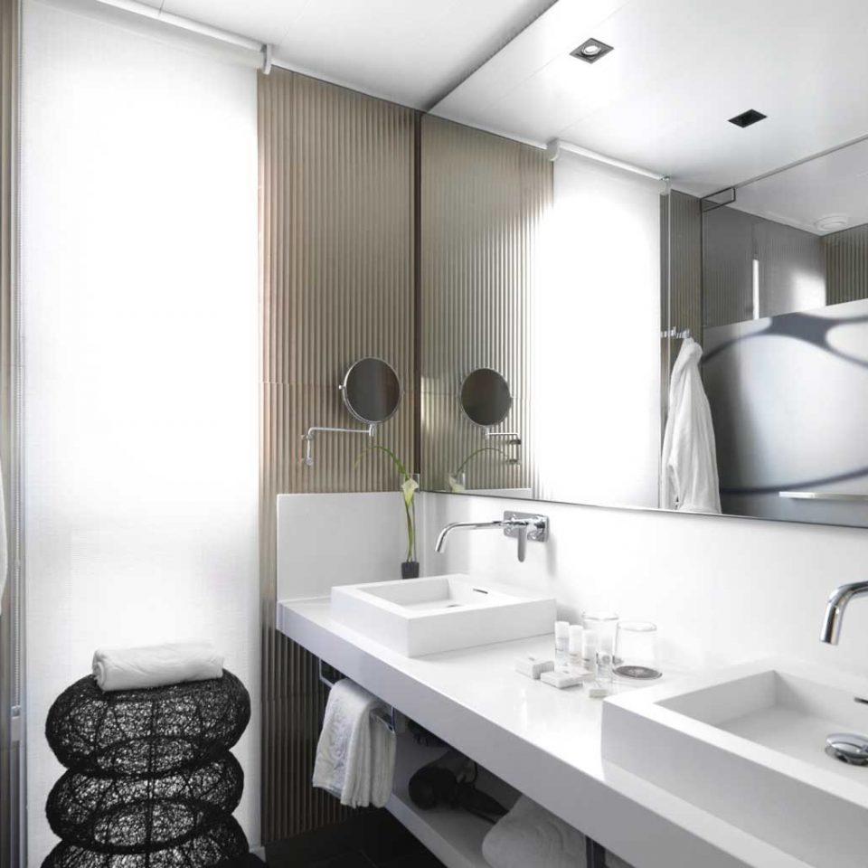 Bath City Hip Historic bathroom property sink home Suite