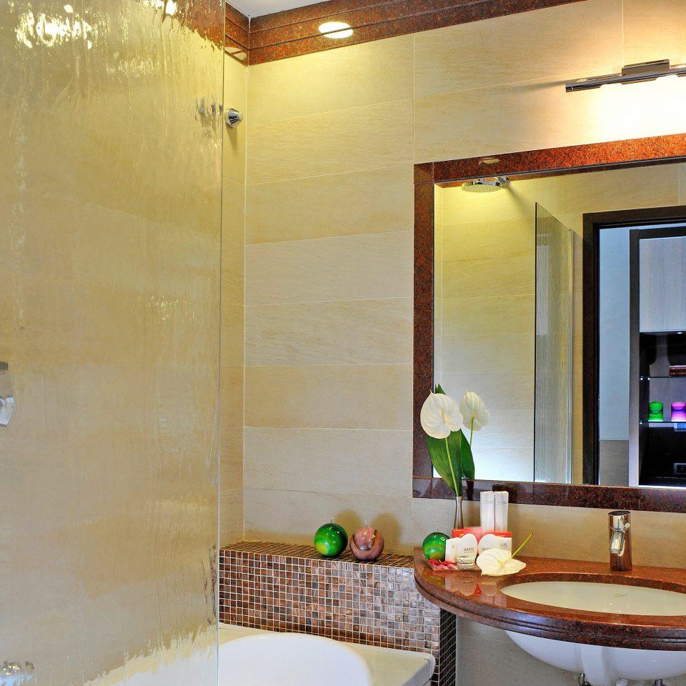 Bath City Historic bathroom property home Suite sink